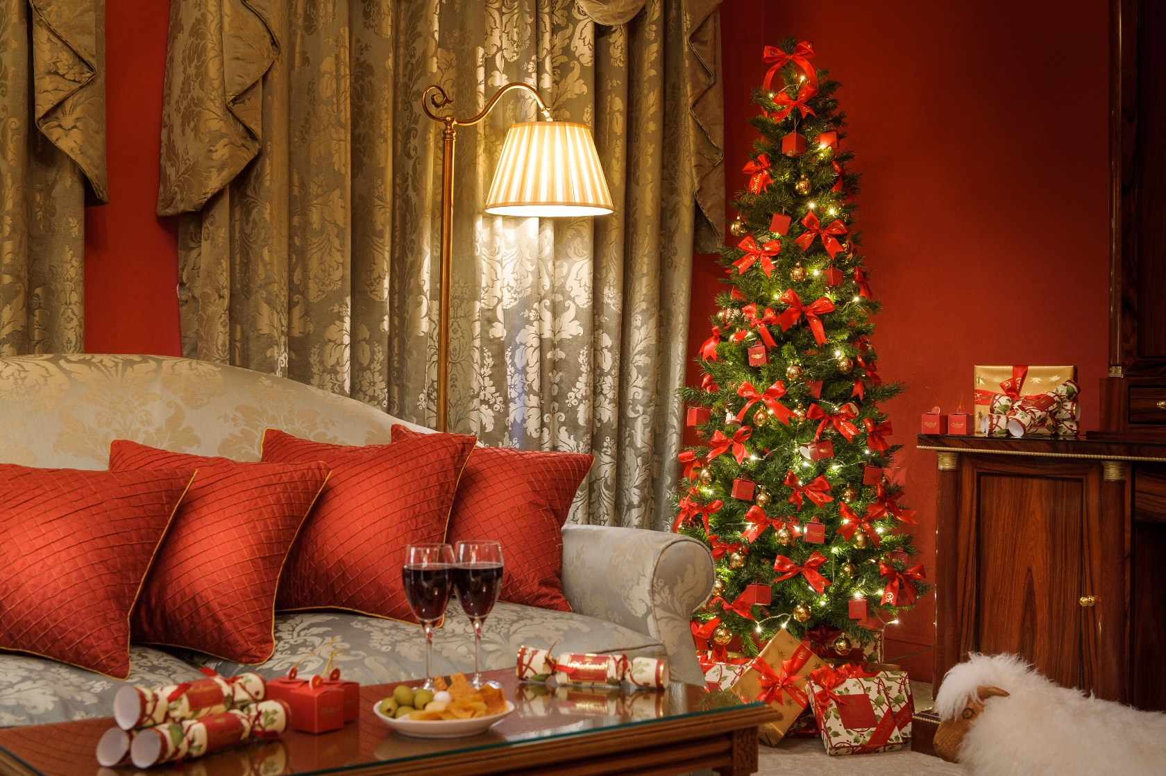 Top Christmas decorating ideas Christmas Prepare your home for Christmas Top Christmas decorating ideas cover