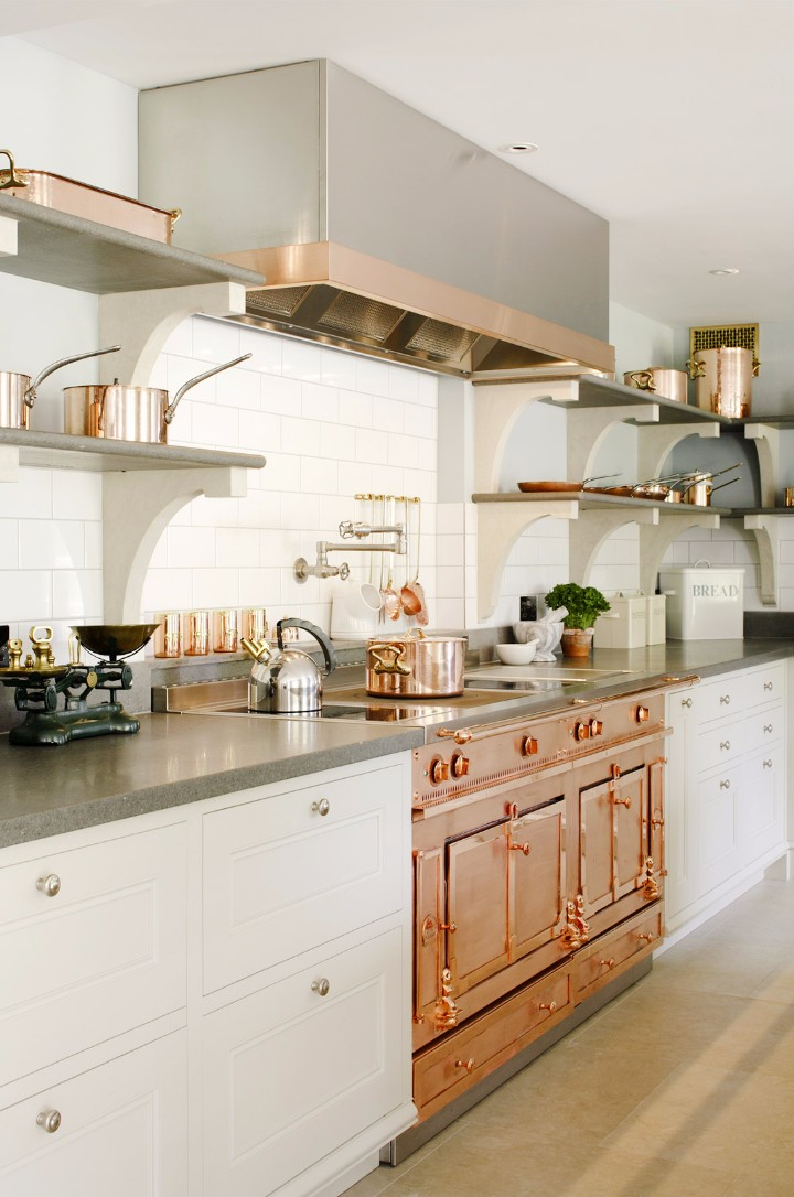 How To Decorate Your Modern Kitchen With Copper Pieces   www.bocadolobo.com #homedecorideas #kitchen #copper #copperpieces #interiordesign #exclusivedesign #homedecor #decoration #kicthendecoration @homedecorideas