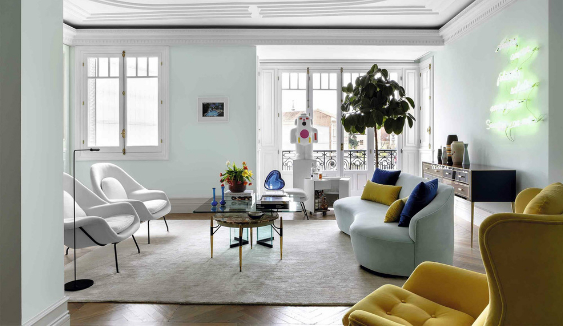 interior designer Take a Peek Inside Interior Designer Ricardo de la Torre's Apartment feature 18