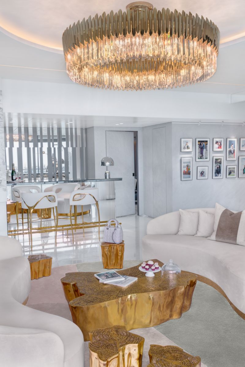 Home Design With A Fusion Of Classical & Modern Glam (1) home design A Reflective White and Gold Trendsetting Home Design Home Design With A Fusion Of Classical Modern Glam 1