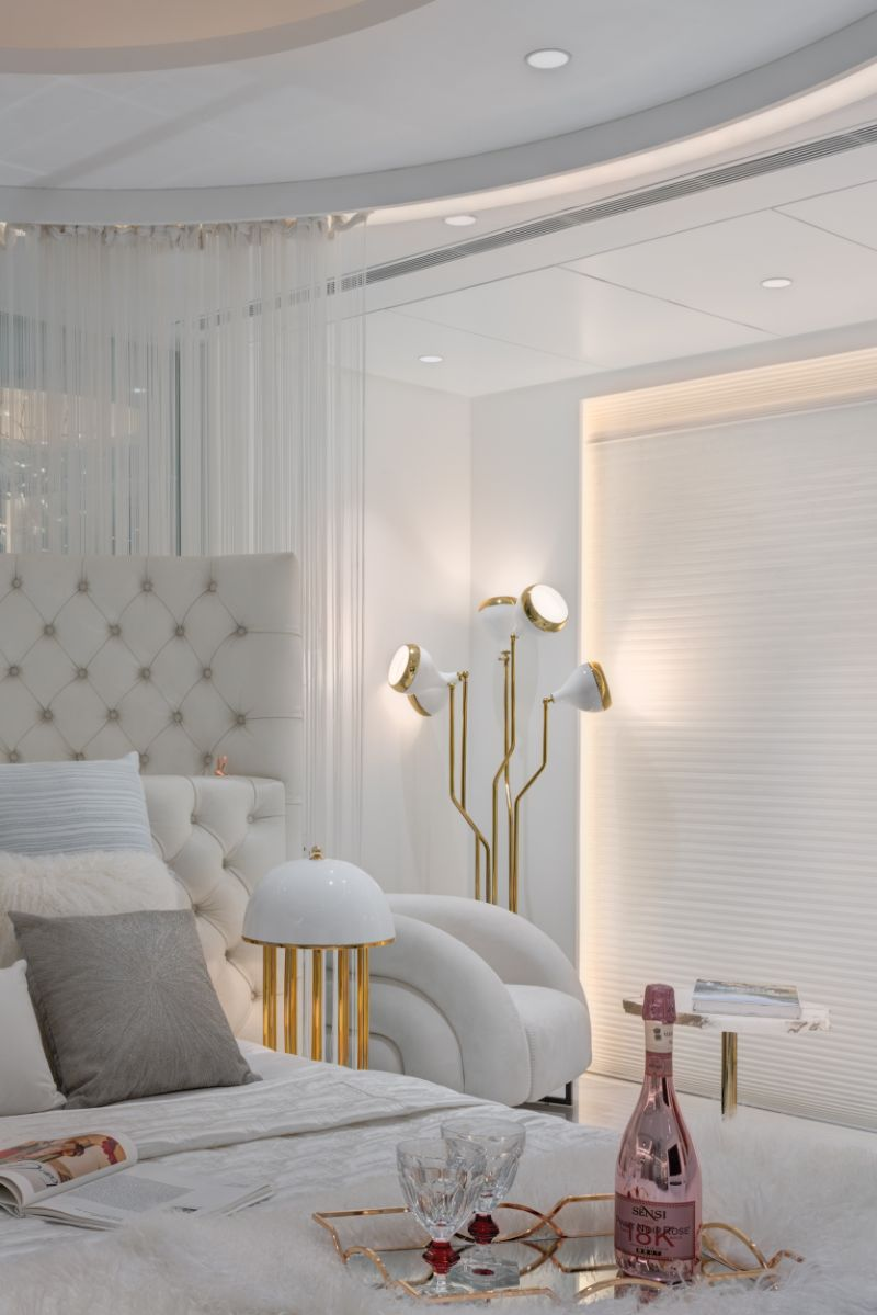 Home Design With A Fusion Of Classical & Modern Glam (6) home design A Reflective White and Gold Trendsetting Home Design Home Design With A Fusion Of Classical Modern Glam 6