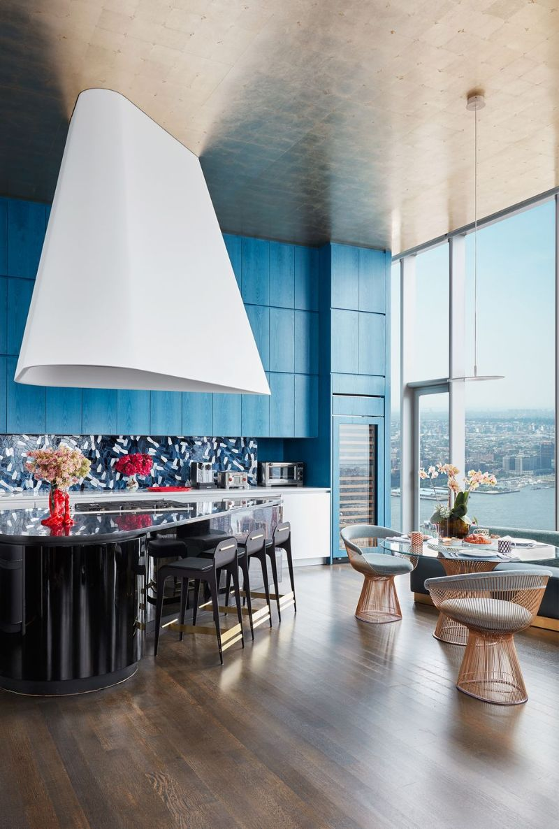 Living In The Clouds - A Modern New York Apartment (4) new york apartment A Modern New York Apartment That Overlooks The City's Skyline Living In The Clouds A Modern New York Apartment 4