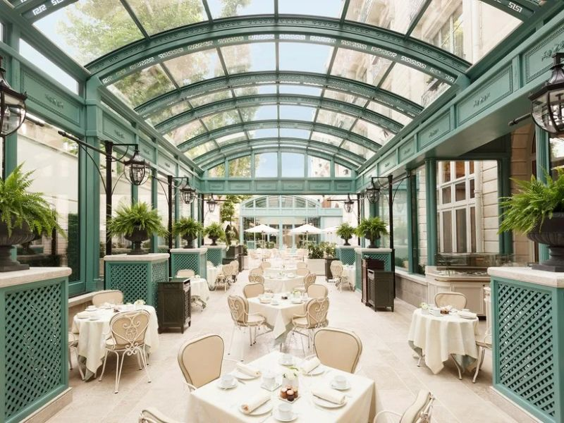 Where To Stay In Paris: The 10 Best Luxury Hotels luxury hotels Where To Stay In Paris: The 10 Best Luxury Hotels 2 23