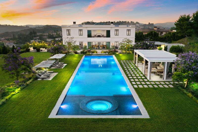 Grand Spaces Done Right - A Private Residence In Bel Air (9)