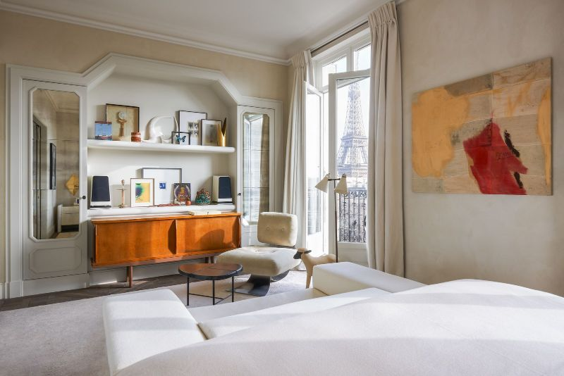 Joseph Dirand Designs Calm And Subtle Paris Apartment (4) joseph dirand Joseph Dirand's Paris Apartment Doubles As A Marble Wonder Joseph Dirand Designs Calm And Subtle Paris Apartment 10