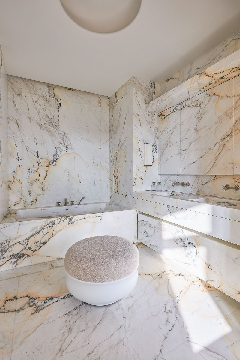 Joseph Dirand Designs Calm And Subtle Paris Apartment (4) joseph dirand Joseph Dirand's Paris Apartment Doubles As A Marble Wonder Joseph Dirand Designs Calm And Subtle Paris Apartment 11