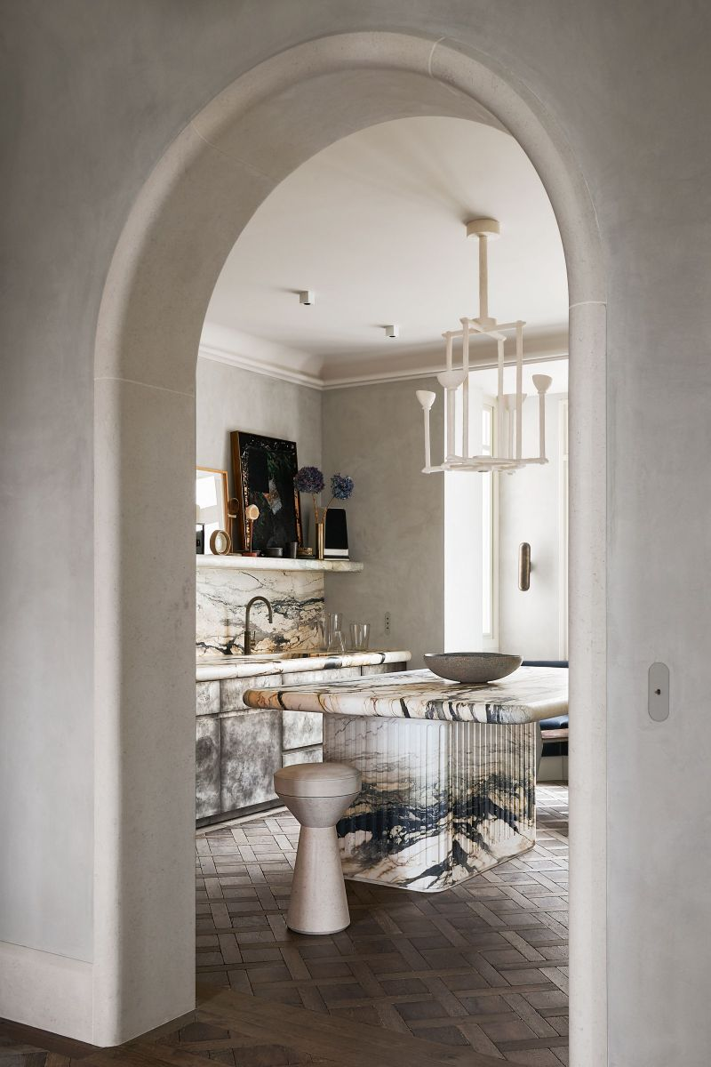 Joseph Dirand Designs Calm And Subtle Paris Apartment (3) joseph dirand Joseph Dirand's Paris Apartment Doubles As A Marble Wonder Joseph Dirand Designs Calm And Subtle Paris Apartment 3