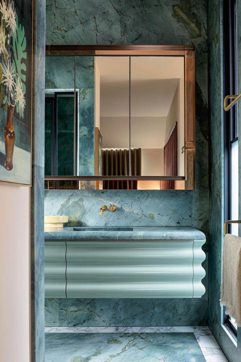 80s Memphis Meets 21st Century Metamodernism In Melbourne Luxury Home (10)