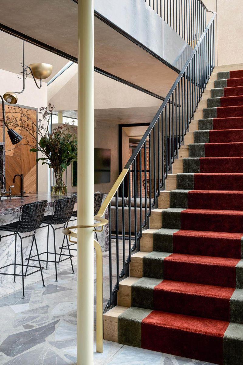 80s Memphis Meets 21st Century Metamodernism In Melbourne Luxury Home (2)