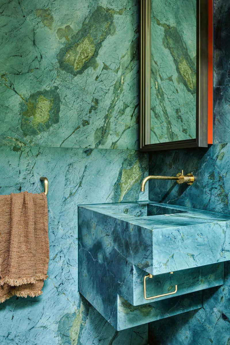 80s Memphis Meets 21st Century Metamodernism In Melbourne Luxury Home (4)
