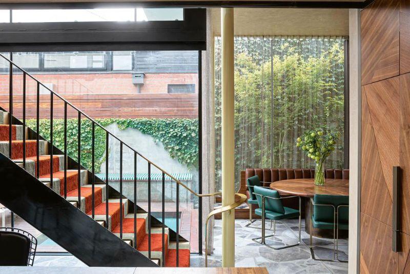 80s Memphis Meets 21st Century Metamodernism In Melbourne Luxury Home (7)