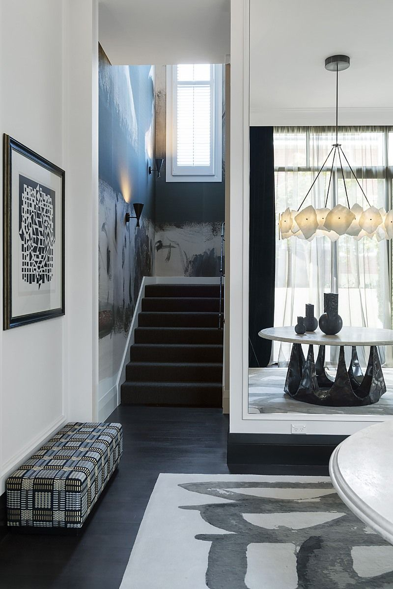 How Maximalism And Minimalism Coexist Perfectly In This Home Design (4)