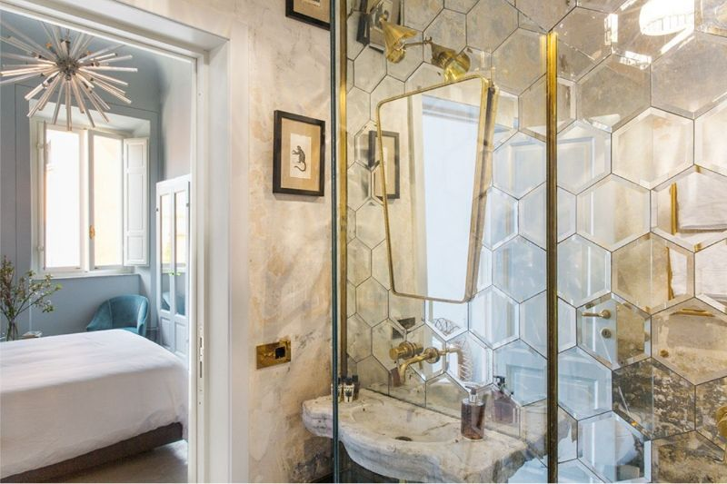 Luxury Hotel Bathrooms To Inspire Your Next Restroom Renovation (1) hotel bathroom Luxury Hotel Bathrooms To Inspire Your Next Restroom Renovation Luxury Hotel Bathrooms To Inspire Your Next Restroom Renovation 1