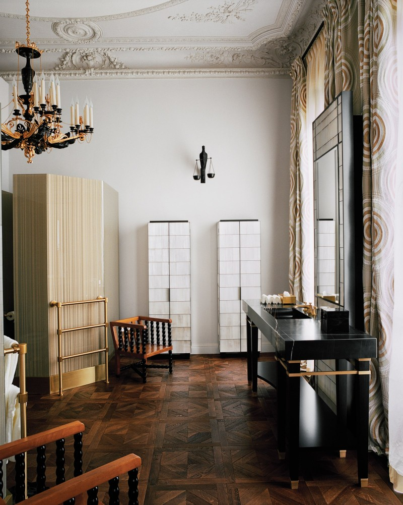 jacques grange Discover This Luxury Paris Mansion By The Distinguished Jacques Grange AD0321 GRANGE 8
