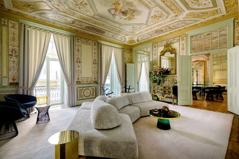 Take A Look Inside: Heritage Hotel Into An Opulent Lisbon Apartment heritage hotel Take A Look Inside: Heritage Hotel Into An Opulent Lisbon Apartment ESQVTA Mamede Heritage Apartment Renovation Lisbon Photo Ricardo Oliveira Alves Yellowtrace 02