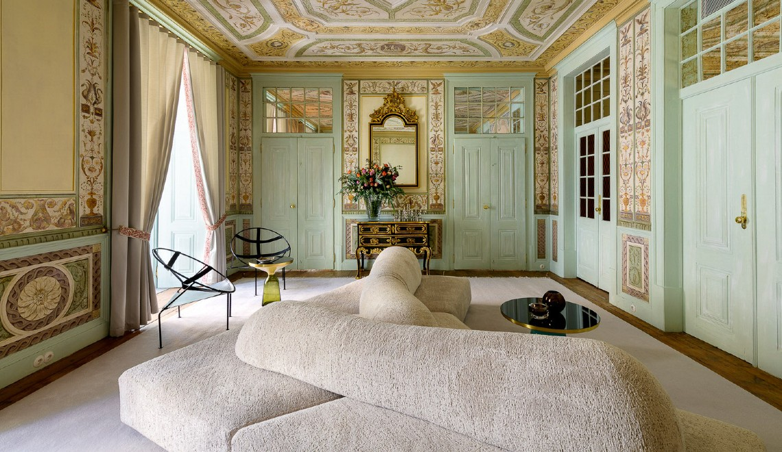 heritage hotel Take A Look Inside: Heritage Hotel Into An Opulent Lisbon Apartment ESQVTA Mamede Heritage Apartment Renovation Lisbon Photo Ricardo Oliveira Alves Yellowtrace 03 3