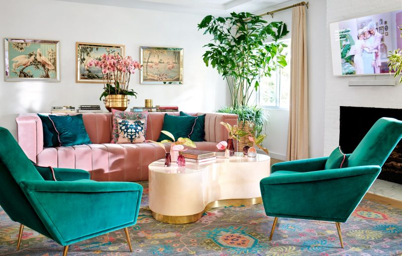 Take a Tour of Model Cara Delenvigne's Luxury and Feminine Los Angeles Home cara delevingne Take a Tour of Model Cara Delevingne Luxury and Feminine Los Angeles Home AD090119 DELEVINGNE 02 800x509