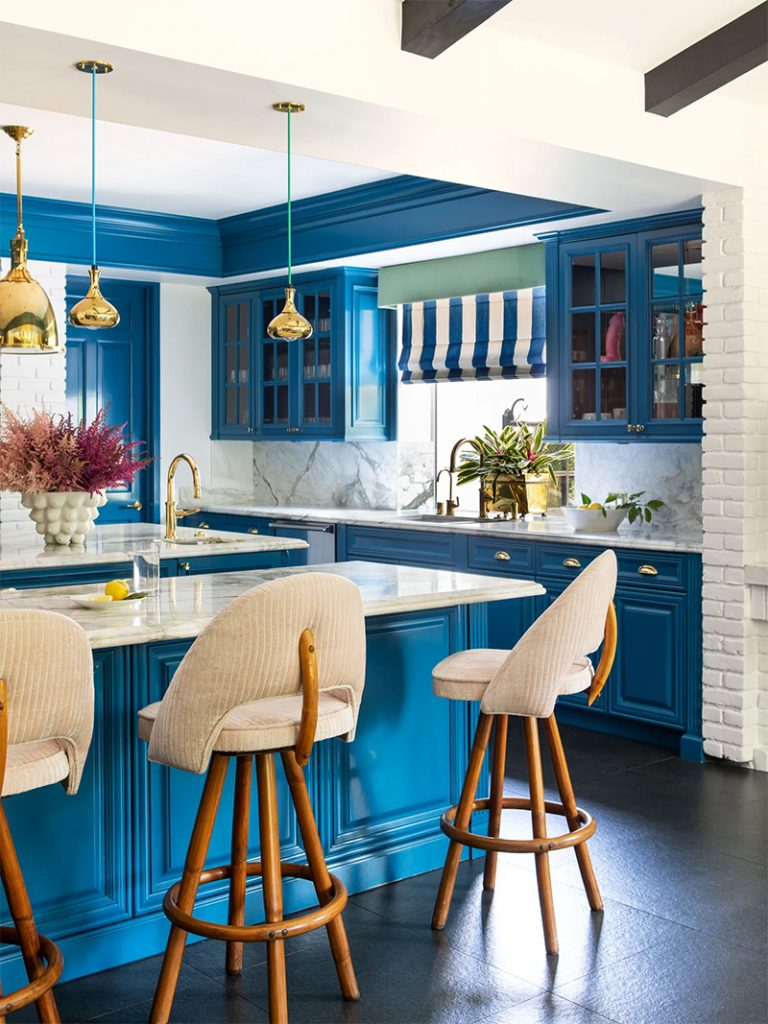 Take a Tour of Model Cara Delenvigne's Luxury and Feminine Los Angeles Home cara delevingne Take a Tour of Model Cara Delevingne Luxury and Feminine Los Angeles Home Luxury and Feminine Los Angeles Home10 768x1024