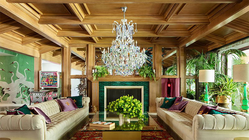 Take a Tour of Model Cara Delenvigne's Luxury and Feminine Los Angeles Home cara delevingne Take a Tour of Model Cara Delevingne Luxury and Feminine Los Angeles Home Luxury and Feminine Los Angeles Home12