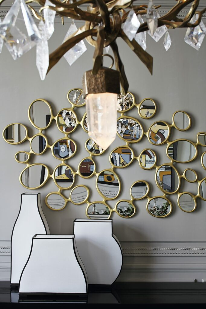 Modern Home With Parisian Glamour - Step Into This French Home modern home Modern Home With Parisian Glamour – Step Into This French Home smokemirrors10 682x1024 1