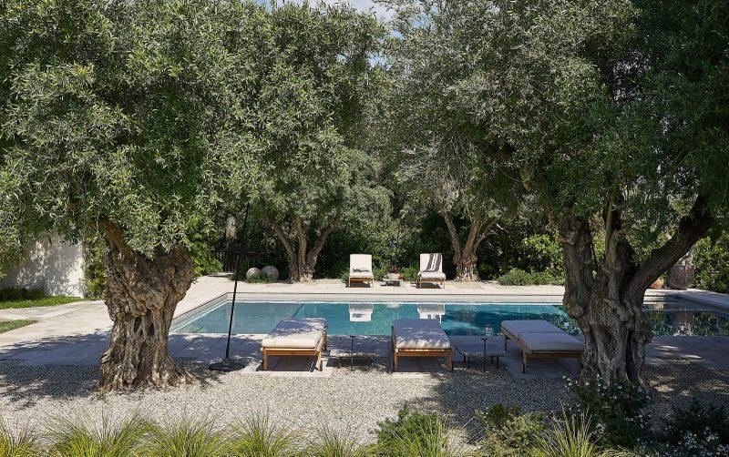 Celebrities Luxury Designs - Step Inside Adam Levine and Behati Prinsloo La Home