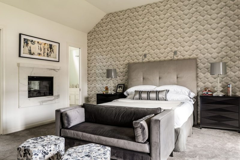 Traditional and Contemporary Home by Lucinda Loya Where High-Contrast Design Rules